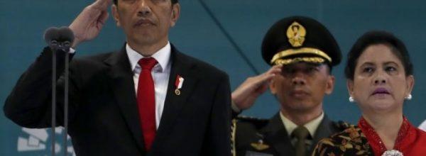 Tổng thống Indonesia cưỡi xe phân khối lớn tới lễ khai mạc Asiad