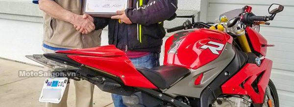 Biker Việt đầu tiên nhận Giải thưởng BMW Motorrad High Mileage Award