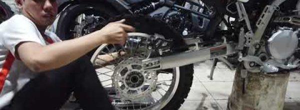 Độ Kawasaki KLX250 thành Supermoto   Jolly Joker's Motovlog